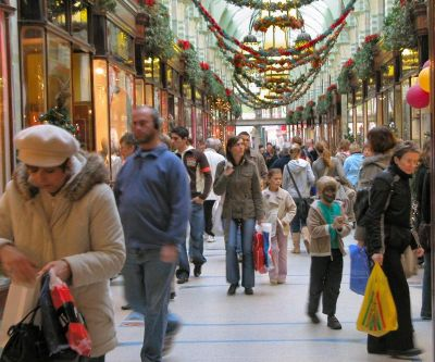 Christmas-shopping-holiday-hours